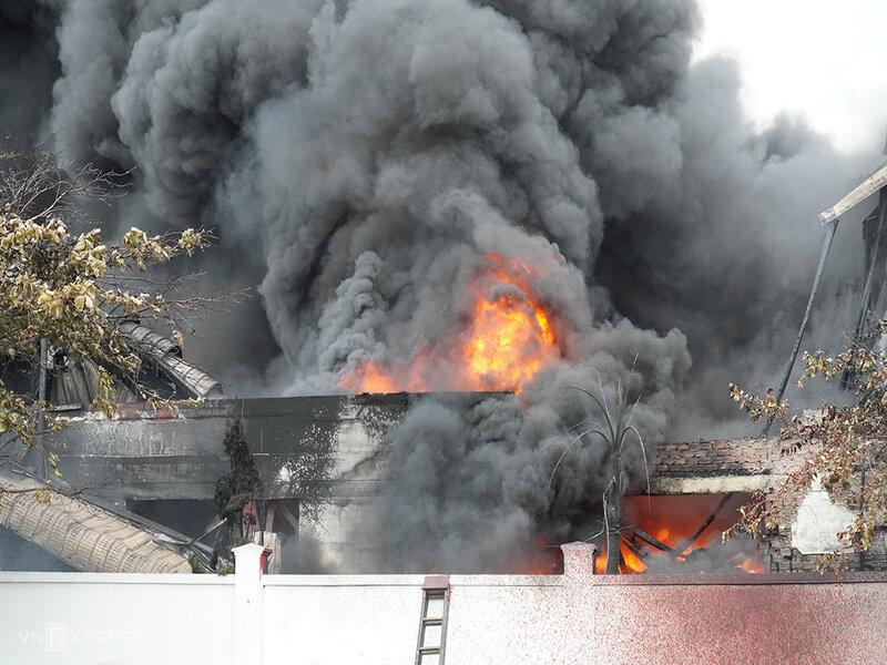 bao hiem chay no cong ty hoa chat, mua bảo hiểm cháy nổ công ty hóa chất,giá bảo hiểm cháy nổ,mua bảo hiểm cháy nổ cho công ty