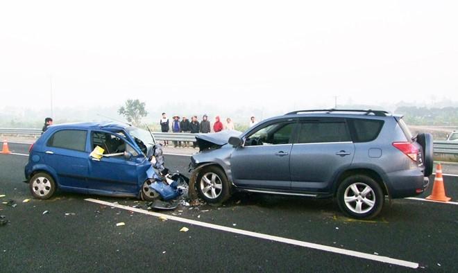 nên mua bảo hiểm thân vỏ ô tô của hãng nào,bảo hiểm thân vỏ có bắt buộc không,gói bảo hiểm thân vỏ xe ô tô,bao hiem than vo xe oto,cách tính giá bảo hiểm thân vỏ