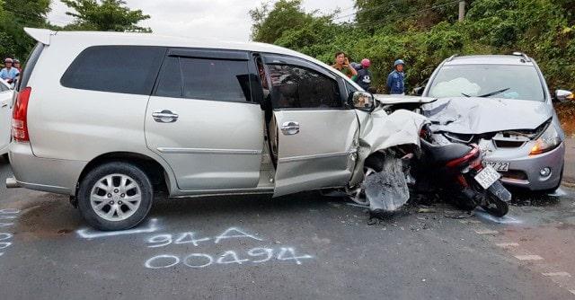 Mua bảo hiểm ô tô 2022