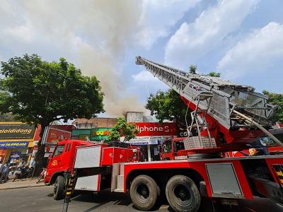 Quận 1 cháy công trình cải tạo