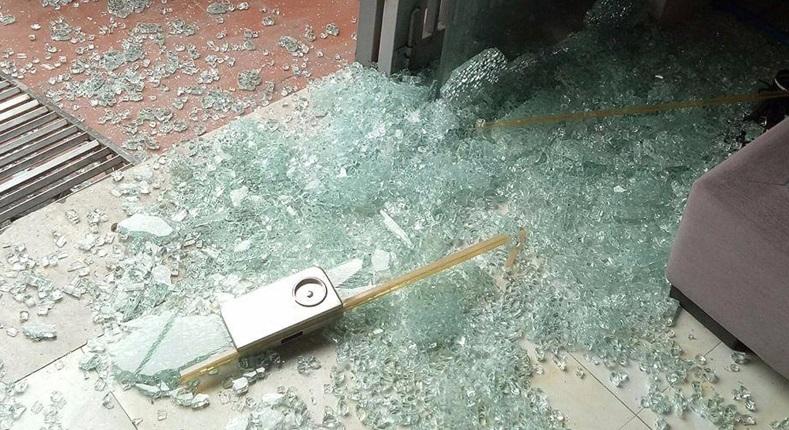 Bảo hiểm nứt vỡ kính tấm và quyền lợi khác