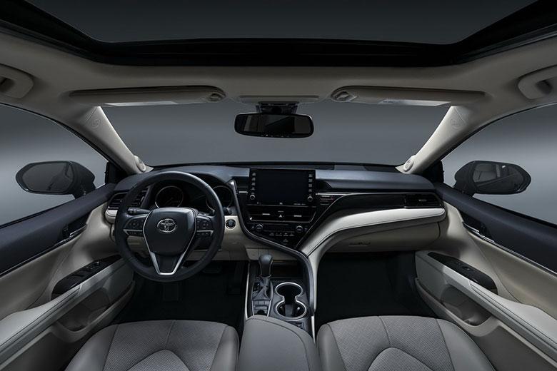 Giá bảo hiểm thân vỏ ô tô Camry 2021