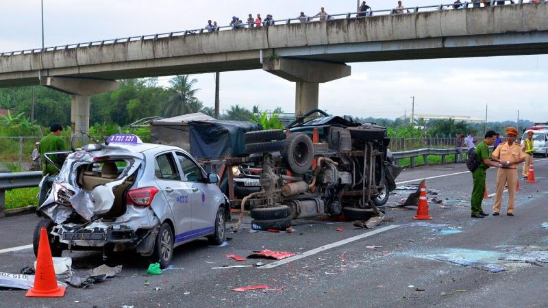Bảo hiểm ô tô bắt buộc giao tận nơi